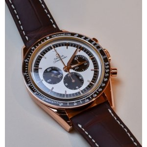 OMEGA [NEW] Speedmaster Moonwatch Numbered Edition 18K Sedna Gold 311.63.40.30.02.001