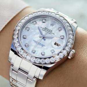 Rolex [NEW] Pearlmaster 39mm Mother of Pearl Diamond Dial 86289-0001 Unisex Watch